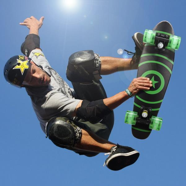 22inch Mini Cruiser Style Skateboard Outdoors Fun Wooden Skate Board with LED Light Wheels 2