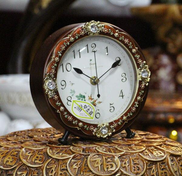 靜音時尚鐵白色實木鐘