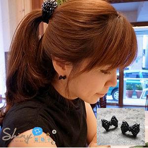 shiny藍格子:【80A81】shiny藍格子-黑色蝴蝶結假鑲鑽個性耳環