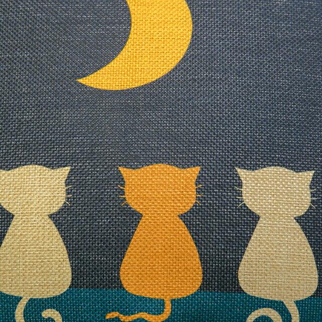 貓咪曬月亮抱枕  棉麻材質  45cmX45cm 花色獨特 觸感扎實 2