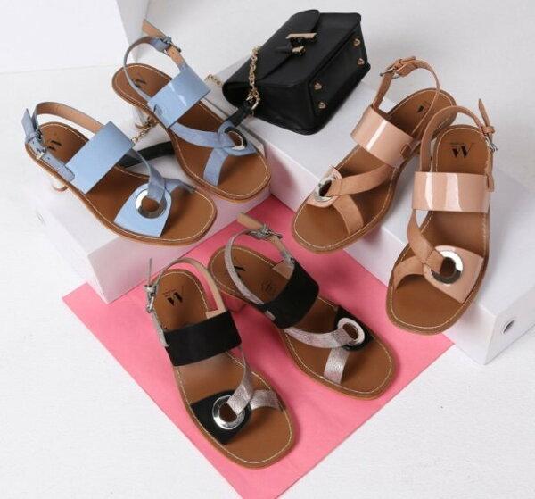 Pyf♥歐美金屬粗跟異材質拼接大扣環寬帶43大尺碼女鞋