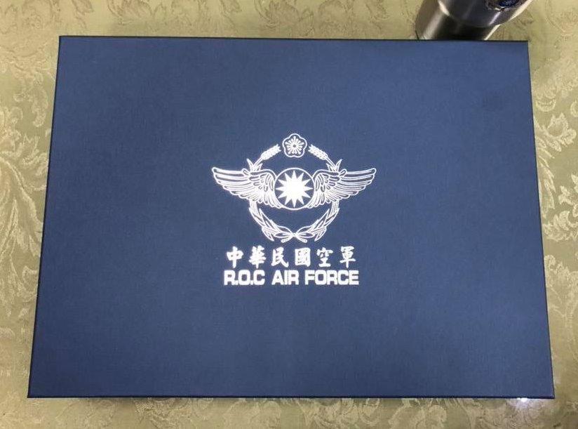 空軍杯 禮盒組 空軍徽 立體徽 威士忌杯 列酒杯 香檳杯 一組6入 (獨家販售)【嘎嘎屋】 1