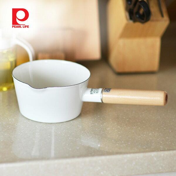 【日本珍珠金屬】琺瑯牛奶木柄鍋-15cm