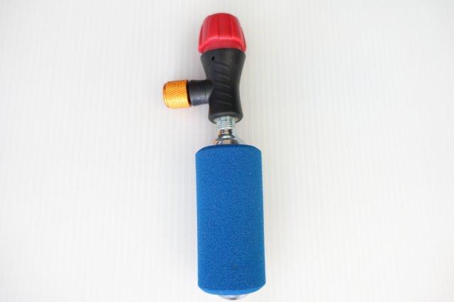 【意生】X-FREE CO2快速充氣組 附16g帶牙鋼瓶 美法嘴通用 CO2打氣筒鎖牙式CO2美法雙用快速充氣打氣接頭 - 限時優惠好康折扣