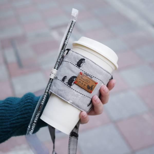 【FANTINO】雙層隔熱環保飲料提袋  杯套 杯袋 手搖杯套 咖啡杯套 ( 漫步一線間) 月球灰1769946