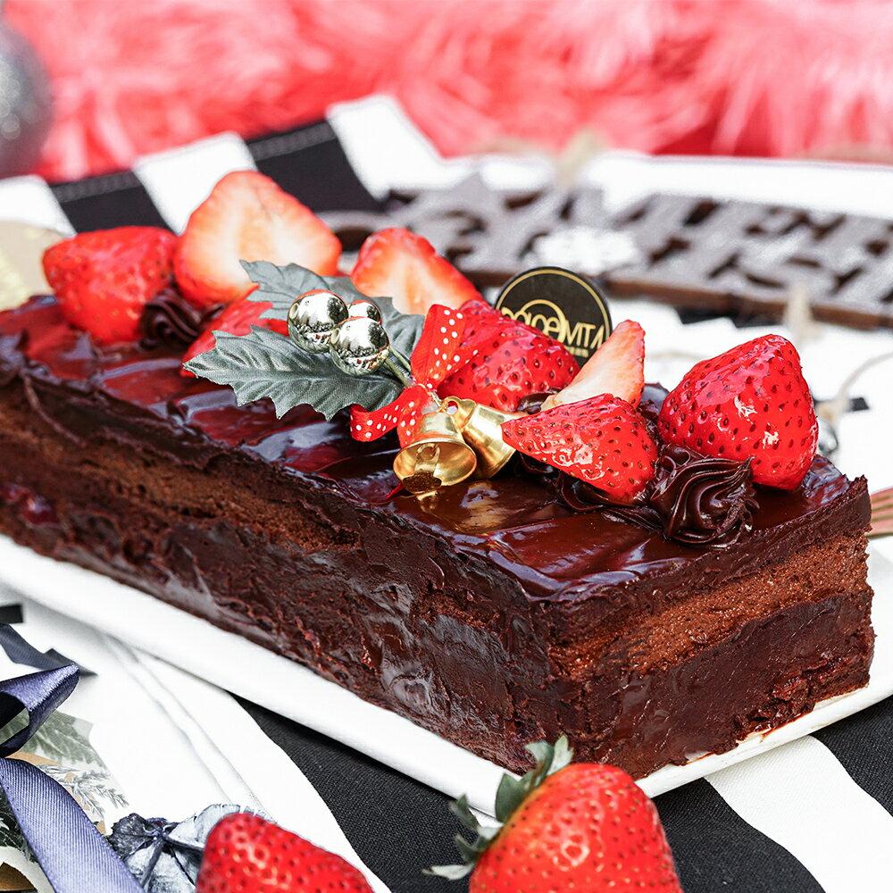 【多茄米拉★聖誕版-黑櫻桃狂想曲-L 】草莓季2018最美蛋糕! 嚴選CacaoBarry可可貝芮全球最大巧克力供應商高濃度巧克力,完美融合黑櫻桃內餡! 搭配大湖草莓特有的新鮮酸甜口感融合在口中~完美!幸福!就是這麼簡單 0