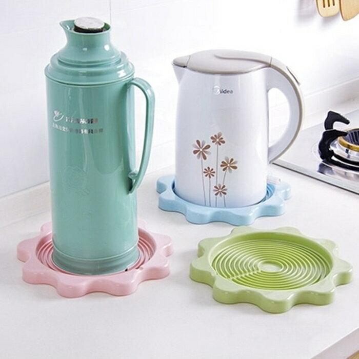 [Hare.D] 馬卡龍色 花形水壺隔熱墊 暖壺水壺托盤 家用熱水瓶 熱墊 隔熱墊