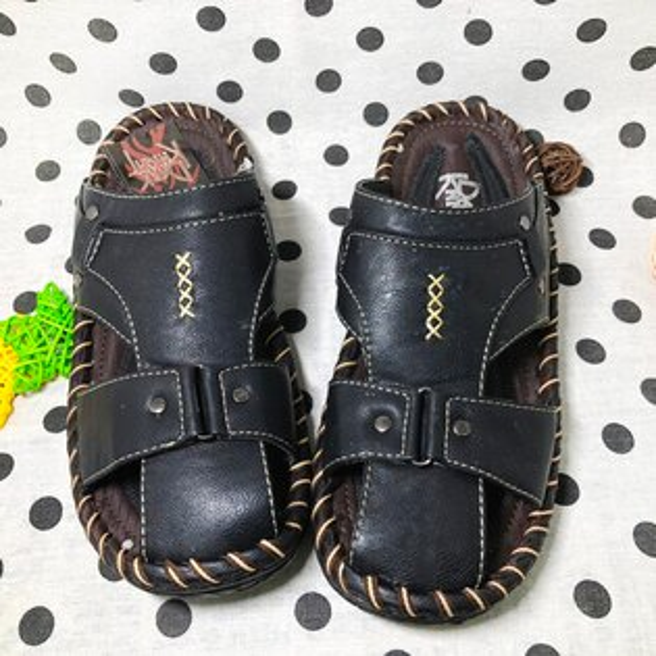 【限量優惠】男款包頭休閒拖鞋[6952]黑超值價$200