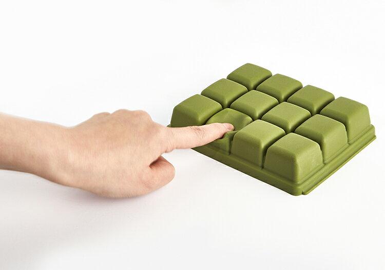 【三入特價$799】Mathos Loreley萱之愛 - 矽膠副食品分裝盒 50g / 6格 海軍藍 5
