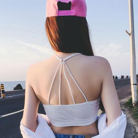 美背交錯細肩帶美背小可愛 附胸墊  背心 防走光 可單穿 交叉線條 內搭 露背 罩杯~B0