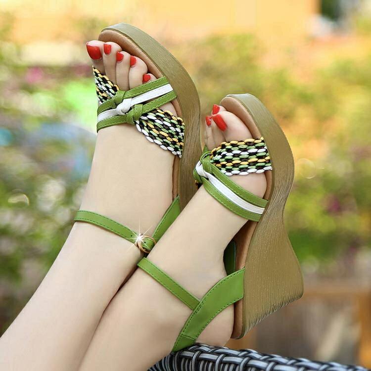 足意爾康新款涼鞋女夏坡跟真皮高跟厚底坡跟鬆糕草編百搭女鞋 四季小屋