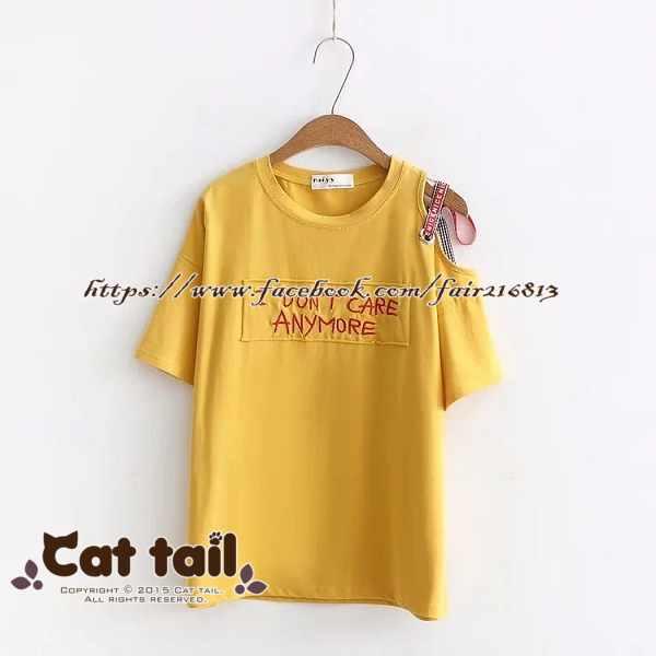 《貓尾巴》TS-0525小清新露肩字母刺繡造型短袖T恤(森林系日系棉麻文青清新)