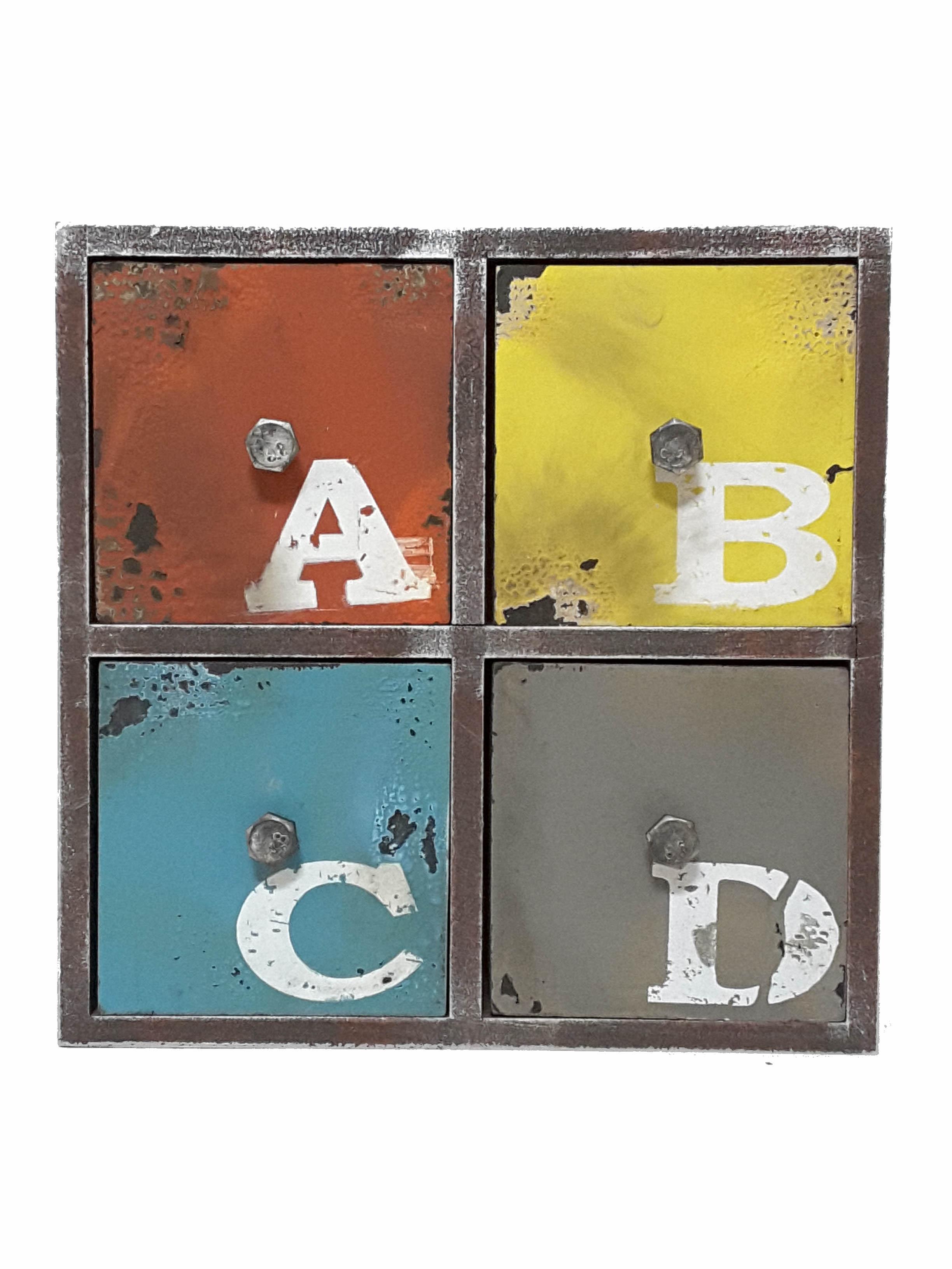 La maison生活小舖《工藝風鐵製四格抽屜櫃》ABC彩色圖案 收納物品 裝飾環境 實用美觀 收納櫃/抽屜櫃/置物櫃/復古擺飾/工蓺風