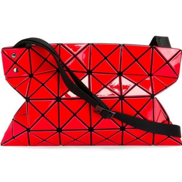 【ISSEY MIYAKE】三宅一生 BAO BAO Red 4X6布背帶斜背包(紅色) BB58AG412/24