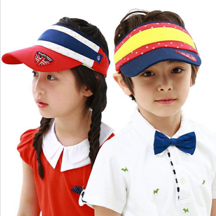 WallFree窩自在★時尚米字旗徽章亮眼配色透氣兒童休閒防曬空頂帽