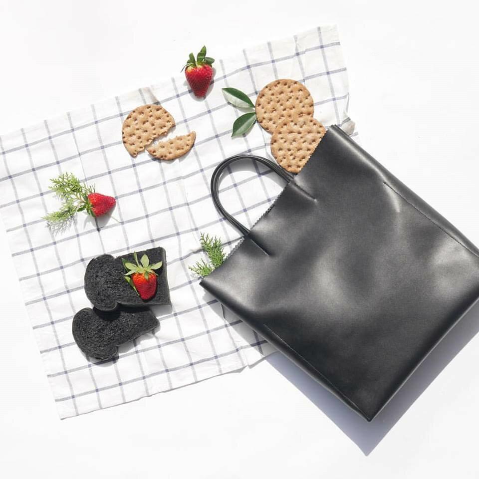 ☛ 領卷折後 $790 ↘ WHITEOAK 文件手提包 Paper Bag (4色) 6