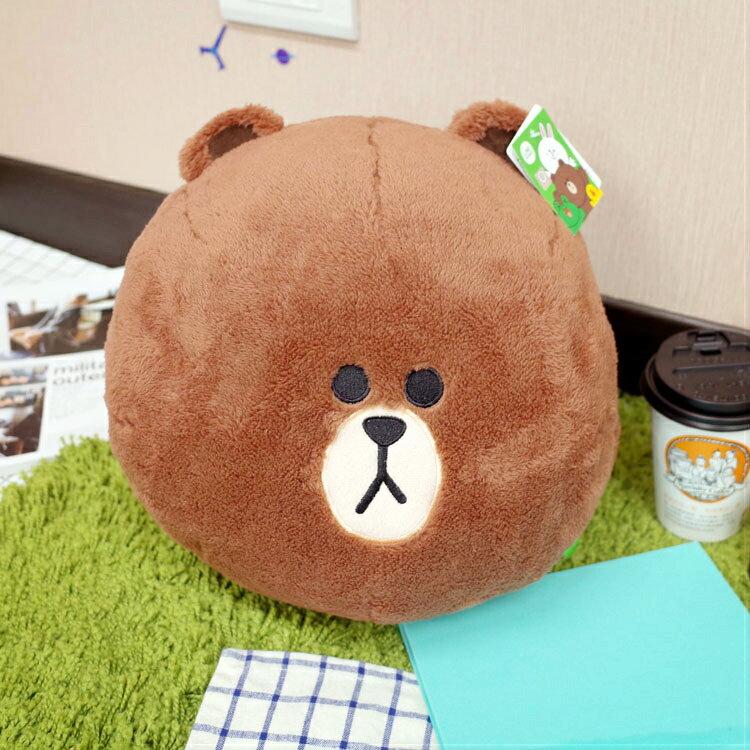 PGS7 日本卡通系列商品 - LINE 熊大 圓球 暖手 抱枕 玩偶 熊【SJB7186】
