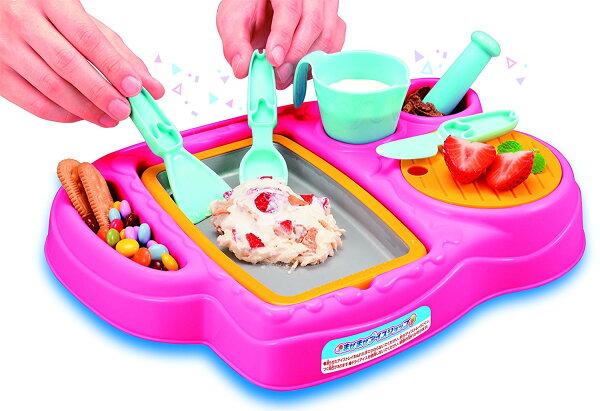 日本攪拌攪拌炒冰機冰淇淋機安啾開箱推薦可愛草莓兔子聖代玩具夏天消暑手作食玩DIY夏日必備神器免插電炒冰機好玩又消暑親子同樂