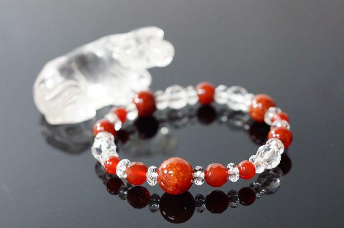 龍紋瑪瑙&玉髓&白水晶 丑牛 代表勤奮。紅色系的寶石將有助於表達自己。N289