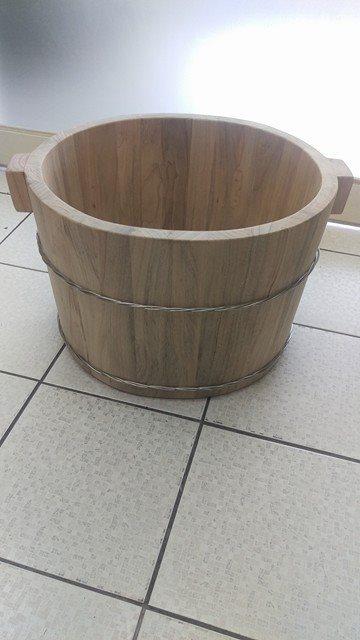 泡腳幫助血液循環 樟木泡腳桶29公分高 限量驚爆優惠中 台灣第一領導品牌-雅典木桶 木浴缸、方形木桶、泡腳桶、蒸腳桶、蒸氣烤箱