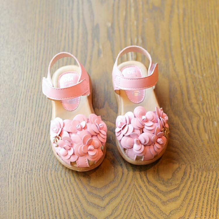 女童涼鞋女童包頭花朵寶寶公主涼鞋牛筋軟底防滑涼鞋   居家物語
