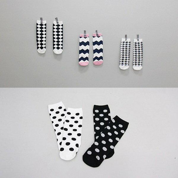 =優 =韓國 加厚版幾何圖形兒童保暖地板襪子寶寶纯棉中筒襪 底部防滑點點 千鳥格波浪點點菱