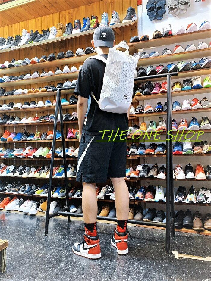 adidas 愛迪達 BP ROLL TOP 3D 類 三宅一生 後背包 手提包 背包 包包 白色 DV0201