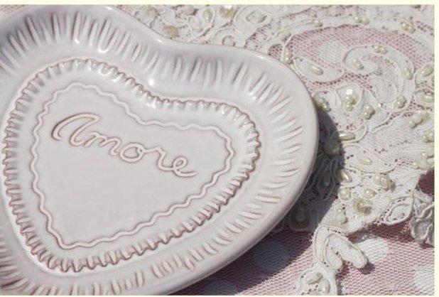 浮雕陶瓷心形碟子 蛋糕碟 零食碟 點心碟 小水果碟 乾果碟 涼菜碟