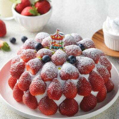 雙12 SUPER SALE 整點特賣 12 / 15 12:00 準時開搶 草莓園6吋(4~6人食用)免運▲ 紅艷欲滴的新鮮草莓鋪滿蛋糕表面搭配柔軟綿密的香草蛋糕滑順北海道奶霜 清爽宜人的風味 0