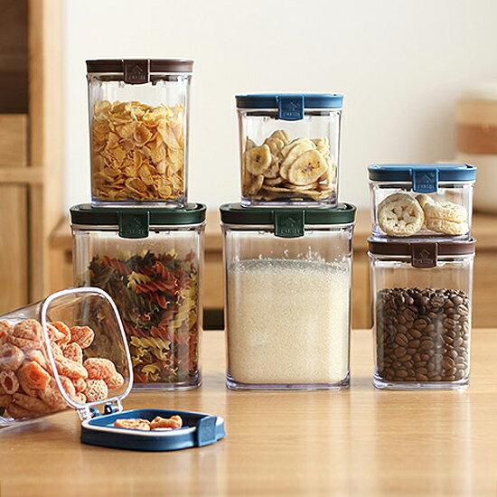 ♚MY COLOR♚智感彈蓋透明密封罐300ML 五穀 雜糧 食品 保鮮 廚房 收納 密封 茶葉【T39-1】