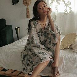 PS Mall 韓版樹葉印花度假風雪紡防曬衣 V領傘袖透膚長袖洋裝【T661】