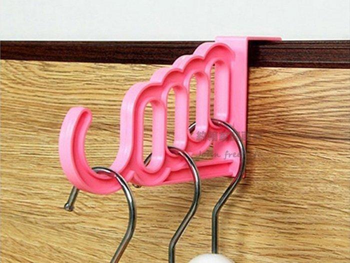 約翰家庭百貨》【SA520】 多功能多孔門背掛勾 門背衣架掛鉤 包包衣物門後掛架 隨機出貨