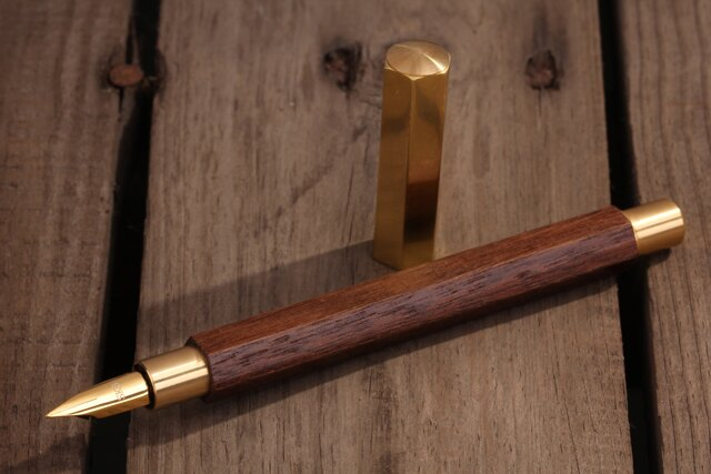SKB六角木頭鋼筆(黃銅)TM-506