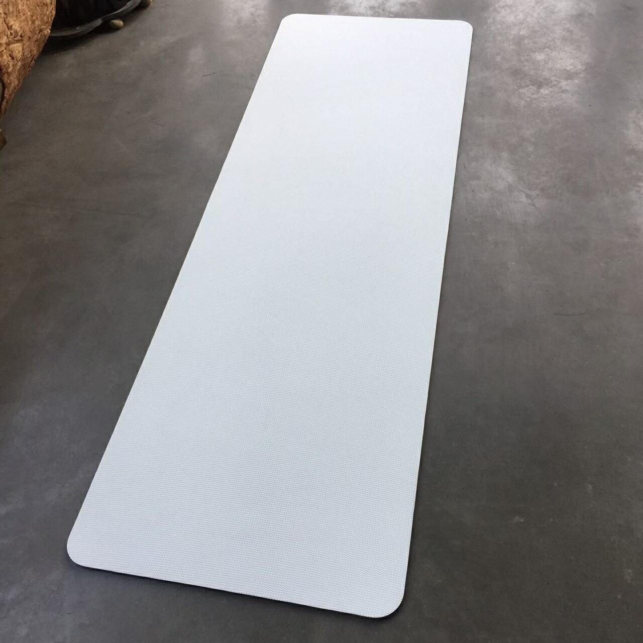 居家防疫 居家運動 健身 可水洗|瑜珈墊 6mm 單色系列 瑜珈 健身 運動 伸展 拉筋 靜坐 放鬆【QMAT】