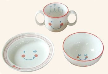 日本 Hoppetta 微笑強化陶瓷餐具組 微笑強化陶瓷3件餐具組 兒童餐具 餐碗 (現貨)