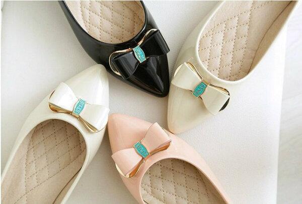 Pyf♥優雅淑女金屬裝飾蝴蝶結漆皮尖頭平底鞋舒適通勤上班鞋43大尺碼女鞋