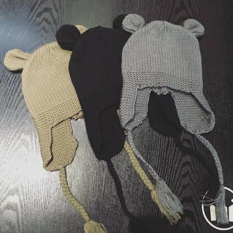 正韓M奇針織毛帽  S77~1   這款針織帽超特別的戴起來超可愛萌達達 ~  好康折扣