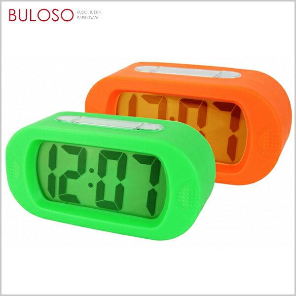 不囉唆:《不囉唆》炫彩繽紛LCD電子鐘時鐘鬧鐘桌面床頭擺飾(可挑款色)【A424069】