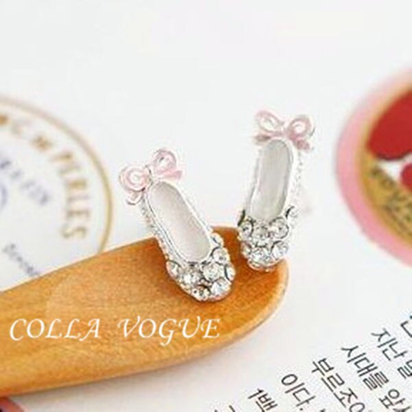✻蔻拉時尚✻ [ASB68] 閃亮童話風 公主的高跟鞋鑲鑽造型耳釘