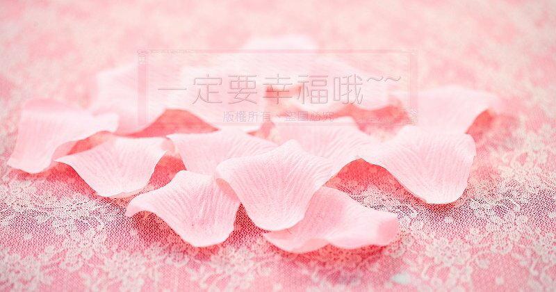 一定要幸福哦~~玫瑰花瓣(粉橘)~~(1包有144片~)佈置、婚禮小物、二次進場 - 限時優惠好康折扣