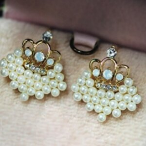 美麗大街【GE0225】 精緻 珍珠愛心 碎鑽小皇冠耳釘