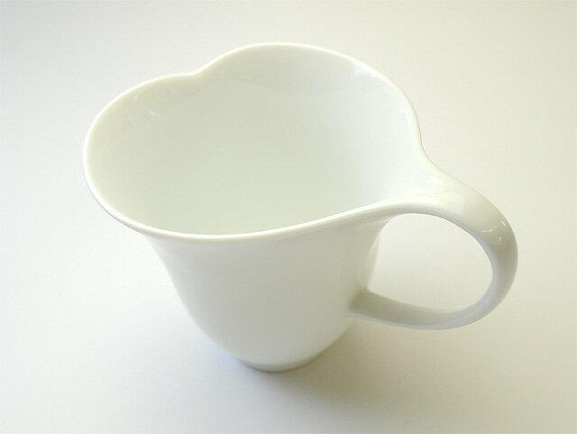 日本陶瓷 小田陶器 心型馬克杯/咖啡杯300cc 粉紅或白色 曲線優美 陶杯白瓷杯 愛心對杯 鬱金香茶杯水杯