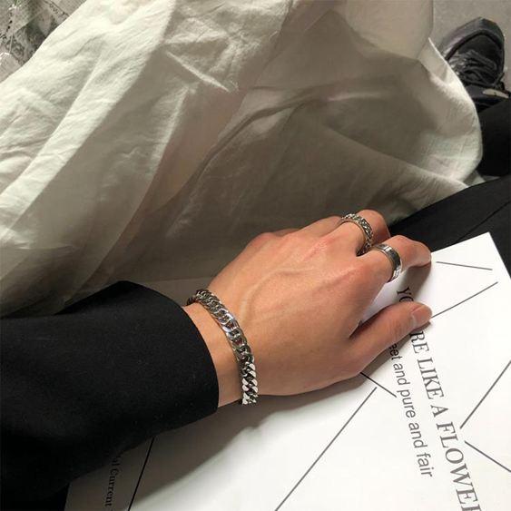 手環 SAZ 2019新款ins網紅簡約冷淡風情侶飾品純色鏈條鈦鋼寬手鏈男女 0