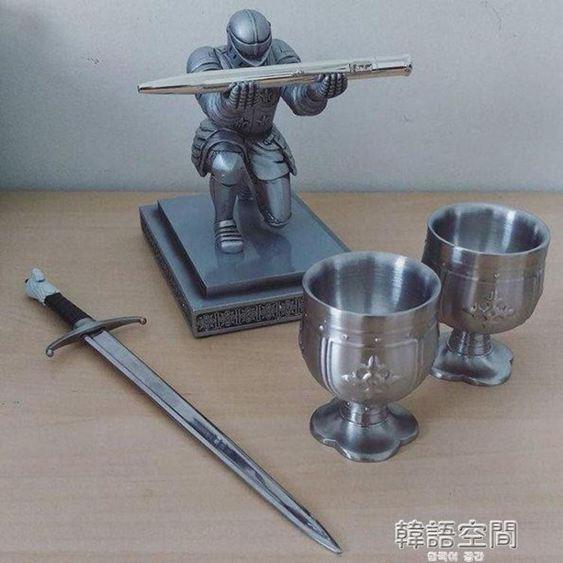 騎士筆架盔甲英雄筆架文具創意桌面擺件生日畢業禮物送男生禮物 韓語空間 2