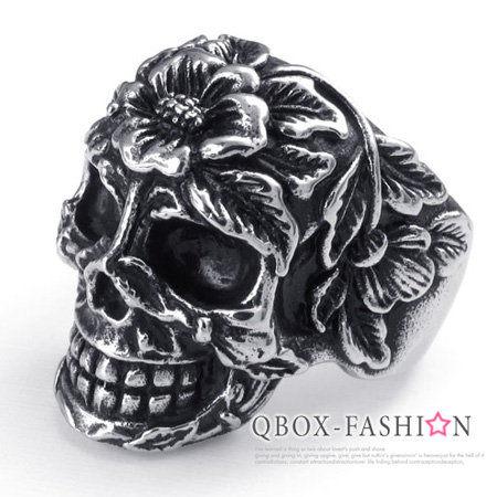 《 QBOX 》FASHION 飾品【W10022471】精緻個性花型骷髏頭鑄造316L鈦鋼戒指/戒環