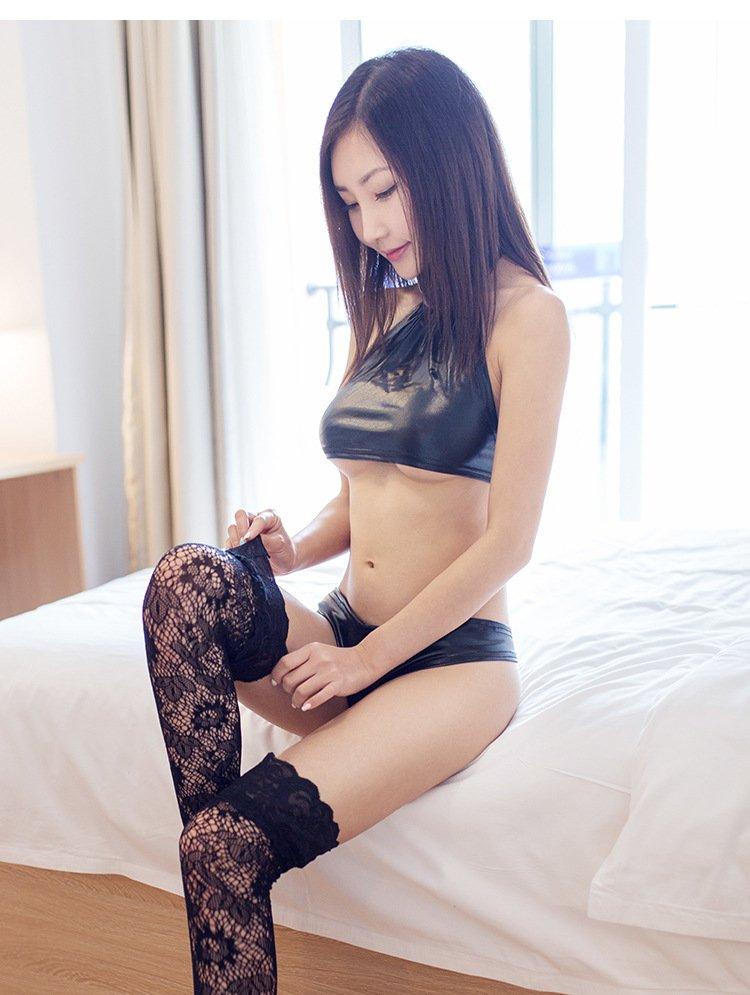 新款情趣內衣 彈性漆皮三點式鏤空綁帶性感內衣+丁褲套裝 LA159