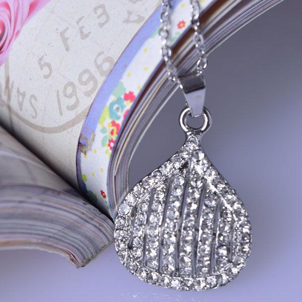 Q20 夏天水鑽小短鏈讓妳漂亮一夏天 個性鑲鑽氣質小項鏈 ? 平價飾品,讓氣質加分