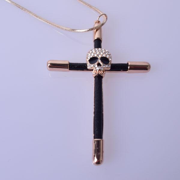格性十字架水鑽長鍊4O公分長 合 金 材質 Q2