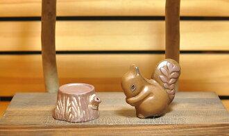 日本 Zakka 陶瓷松鼠樹頭造型 椒鹽罐/椒塩罐/調味罐《 松鼠+樹頭/一組 》★ 很可愛喔 ★ Zakka'fe