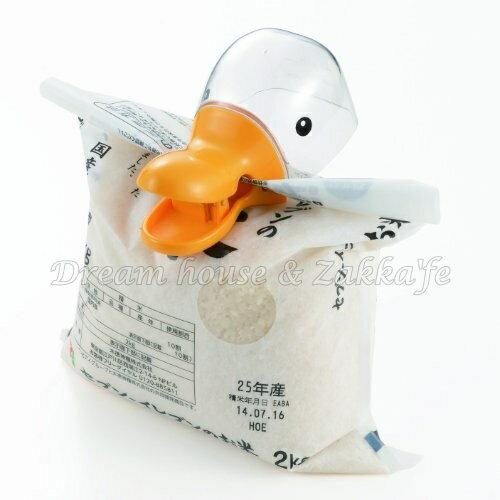 日本 AKEBONO 鴨子造型 夾子 量米杯 橘色《 日本製 》★ Zakka'fe ★ - 限時優惠好康折扣